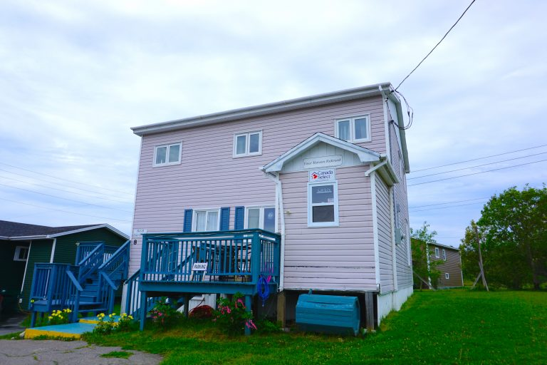 A cosy stay at Fair Haven Retreat B&B in La Scie, Newfoundland - Canada