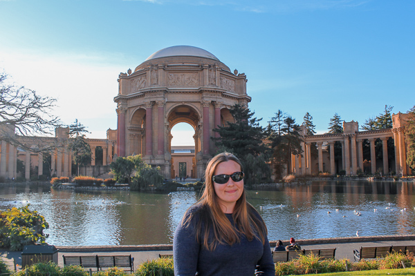 The stunning Roman and Greek inspired architecture of the Palace of Fine Arts - a stop on the Vantigo Tours